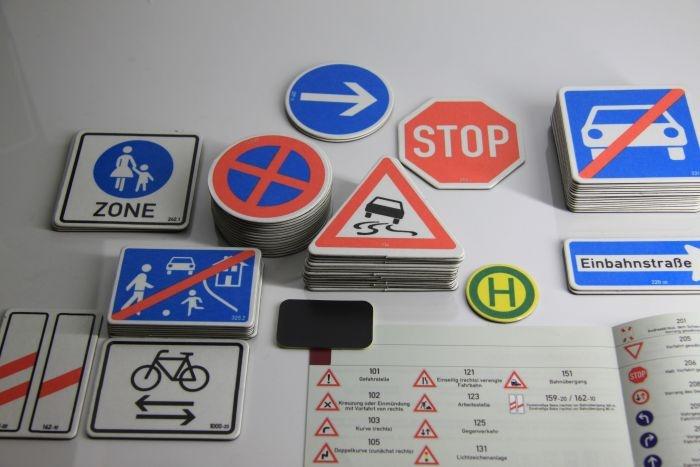 Verkehrszeichen-Box