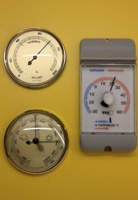 Wetterwarte, Schulwetterwarte mit 4 Wettermeßgeräten